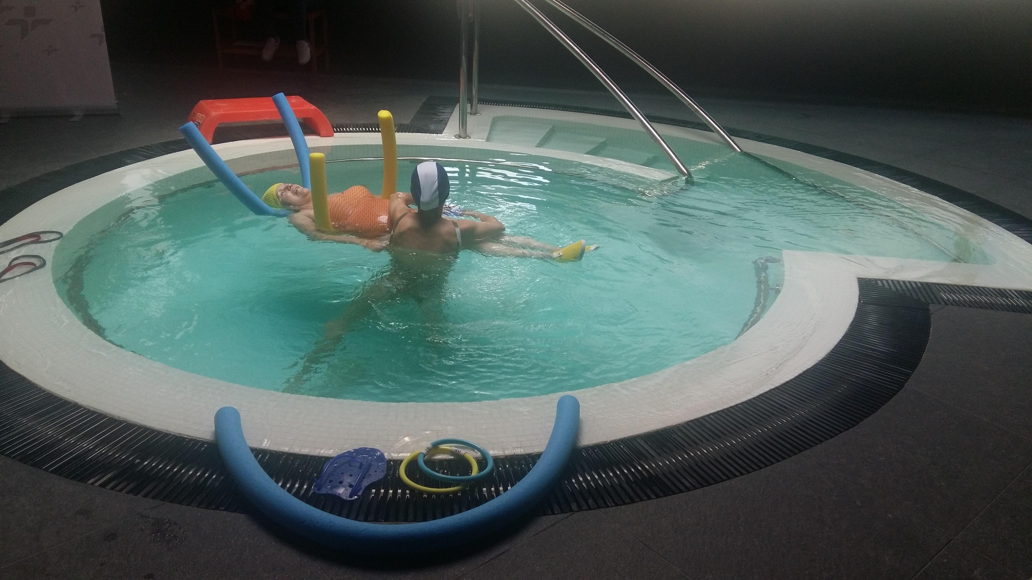 Tratamiento en piscina para la ELA